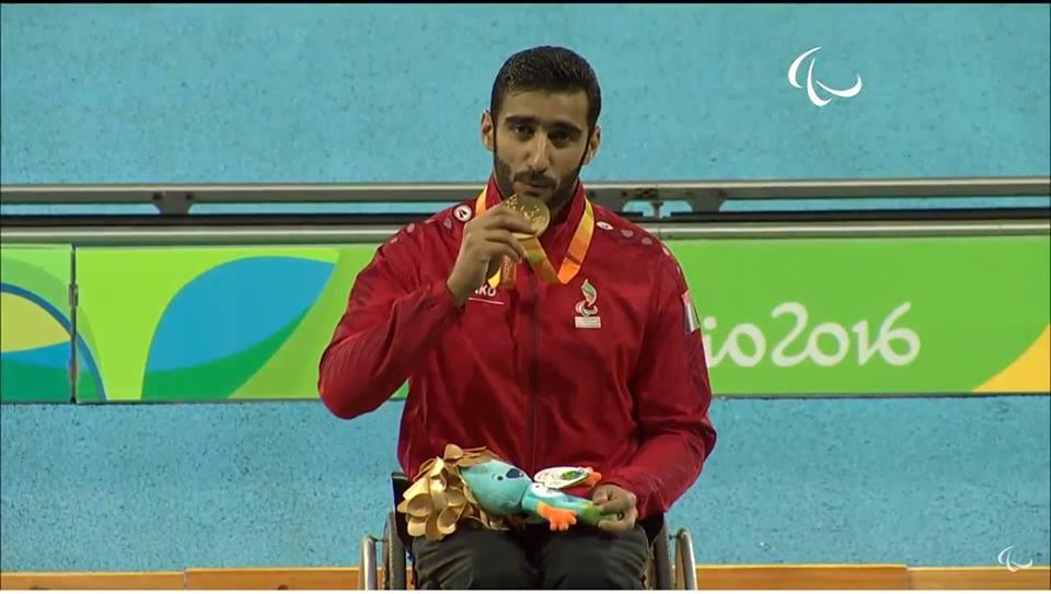 محمد الحمادي الامارات الميدالية الذهبية ألعاب القوى مسابقة 100مركراسي متحركة